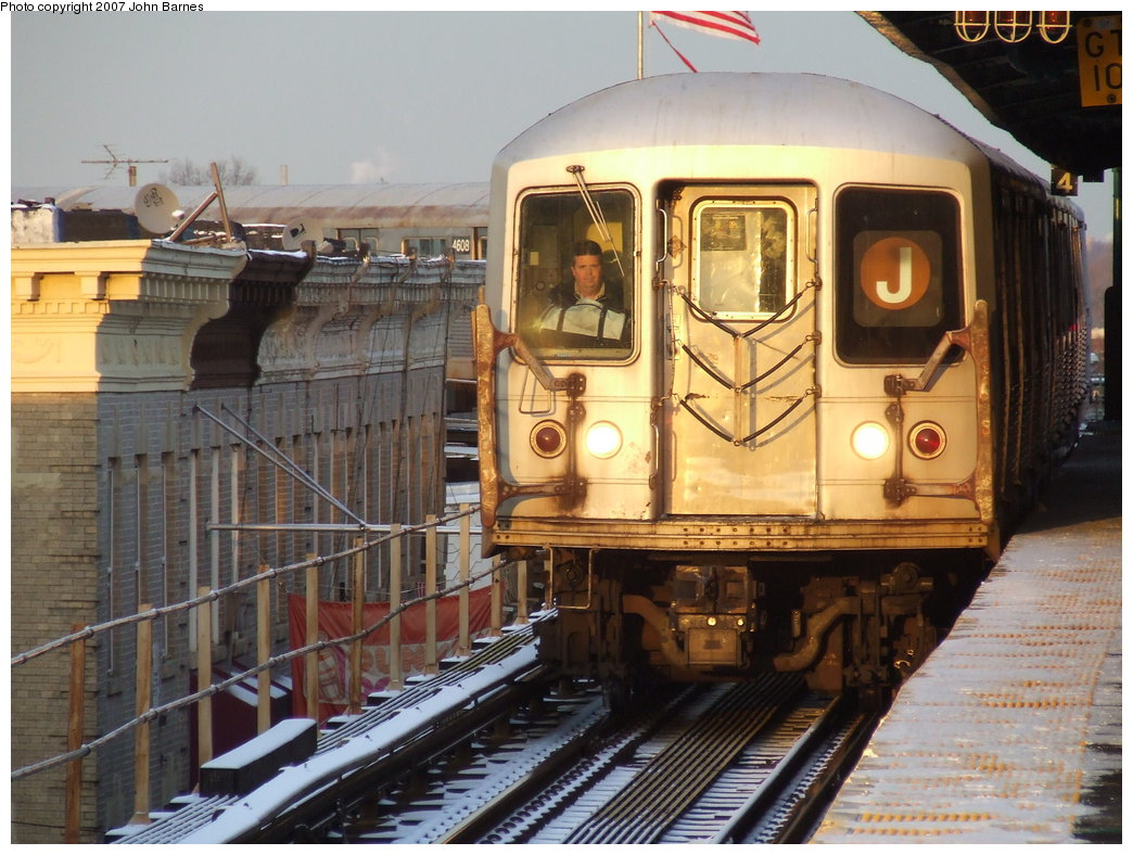 (198k, 1044x788)<br><b>Country:</b> United States<br><b>City:</b> New York<br><b>System:</b> New York City Transit<br><b>Line:</b> BMT Nassau Street-Jamaica Line<br><b>Location:</b> Crescent Street<br><b>Route:</b> J<br><b>Car:</b> R-42 (St. Louis, 1969-1970) 4676 <br><b>Photo by:</b> John Barnes<br><b>Date:</b> 3/7/2007<br><b>Viewed (this week/total):</b> 0 / 2881