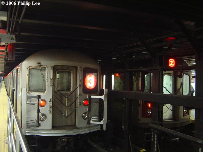 (61k, 804x603)<br><b>Country:</b> United States<br><b>City:</b> New York<br><b>System:</b> New York City Transit<br><b>Line:</b> IRT Brooklyn Line<br><b>Location:</b> Flatbush Avenue <br><b>Route:</b> 3<br><b>Car:</b> R-62 (Kawasaki, 1983-1985)  1330 <br><b>Photo by:</b> Phillip Lee<br><b>Date:</b> 11/27/2006<br><b>Viewed (this week/total):</b> 3 / 4656