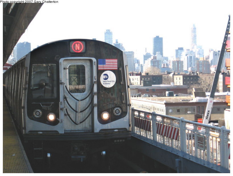 (96k, 820x620)<br><b>Country:</b> United States<br><b>City:</b> New York<br><b>System:</b> New York City Transit<br><b>Line:</b> BMT Astoria Line<br><b>Location:</b> Queensborough Plaza <br><b>Route:</b> N<br><b>Car:</b> R-160A-2 (Alstom, 2005-2008, 5 car sets)  8657 <br><b>Photo by:</b> Gary Chatterton<br><b>Date:</b> 3/9/2007<br><b>Viewed (this week/total):</b> 0 / 3137
