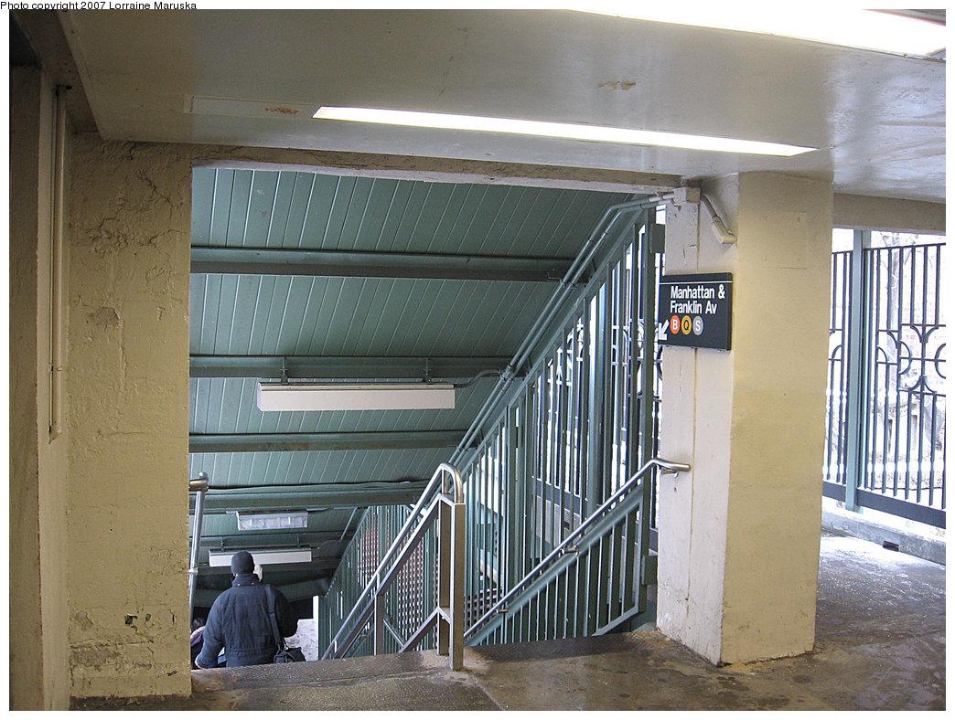 (253k, 1044x788)<br><b>Country:</b> United States<br><b>City:</b> New York<br><b>System:</b> New York City Transit<br><b>Line:</b> BMT Brighton Line<br><b>Location:</b> Prospect Park <br><b>Photo by:</b> Lorraine Maruska<br><b>Date:</b> 3/6/2007<br><b>Notes:</b> Stairs to Manhattan-bound (and shuttle) platform.<br><b>Viewed (this week/total):</b> 0 / 2576