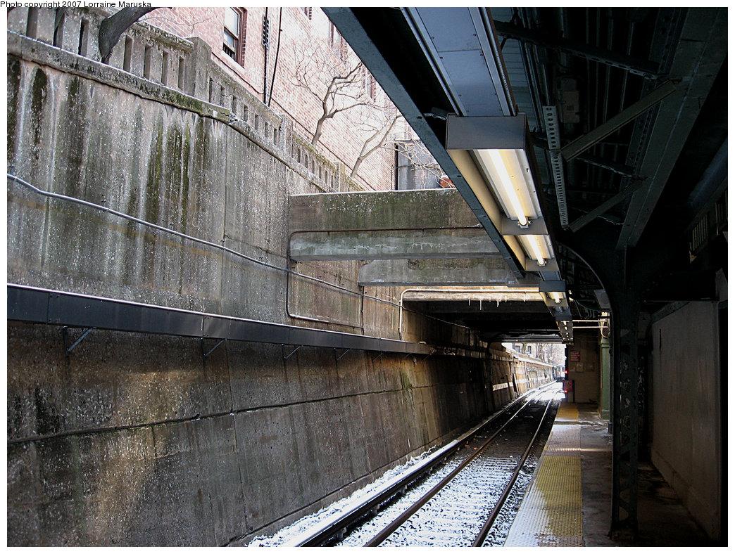 (304k, 1044x788)<br><b>Country:</b> United States<br><b>City:</b> New York<br><b>System:</b> New York City Transit<br><b>Line:</b> BMT Franklin<br><b>Location:</b> Prospect Park <br><b>Photo by:</b> Lorraine Maruska<br><b>Date:</b> 3/7/2007<br><b>Viewed (this week/total):</b> 0 / 2690