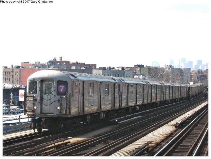 (97k, 820x620)<br><b>Country:</b> United States<br><b>City:</b> New York<br><b>System:</b> New York City Transit<br><b>Line:</b> IRT Flushing Line<br><b>Location:</b> 52nd Street/Lincoln Avenue <br><b>Route:</b> 7<br><b>Car:</b> R-62A (Bombardier, 1984-1987)  2100 <br><b>Photo by:</b> Gary Chatterton<br><b>Date:</b> 3/9/2007<br><b>Viewed (this week/total):</b> 0 / 1680