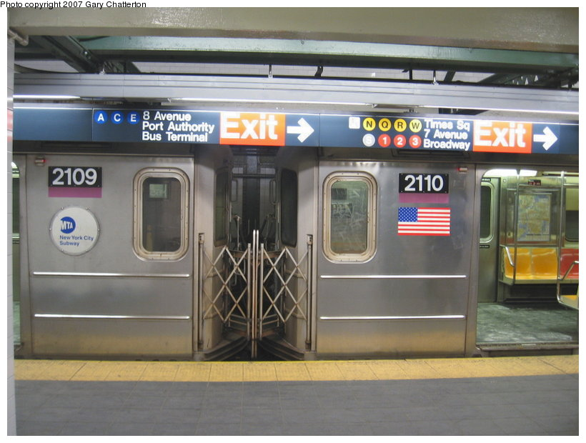 (101k, 820x620)<br><b>Country:</b> United States<br><b>City:</b> New York<br><b>System:</b> New York City Transit<br><b>Line:</b> IRT Flushing Line<br><b>Location:</b> Times Square <br><b>Route:</b> 7<br><b>Car:</b> R-62A (Bombardier, 1984-1987)  2109/2110 <br><b>Photo by:</b> Gary Chatterton<br><b>Date:</b> 3/9/2007<br><b>Viewed (this week/total):</b> 0 / 4053