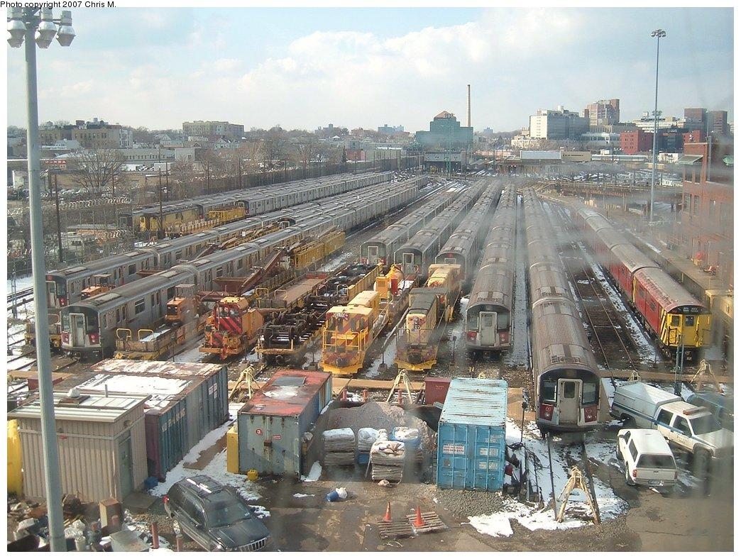 (222k, 1044x788)<br><b>Country:</b> United States<br><b>City:</b> New York<br><b>System:</b> New York City Transit<br><b>Location:</b> Westchester Yard<br><b>Photo by:</b> Chris M.<br><b>Date:</b> 2/26/2005<br><b>Viewed (this week/total):</b> 0 / 1605