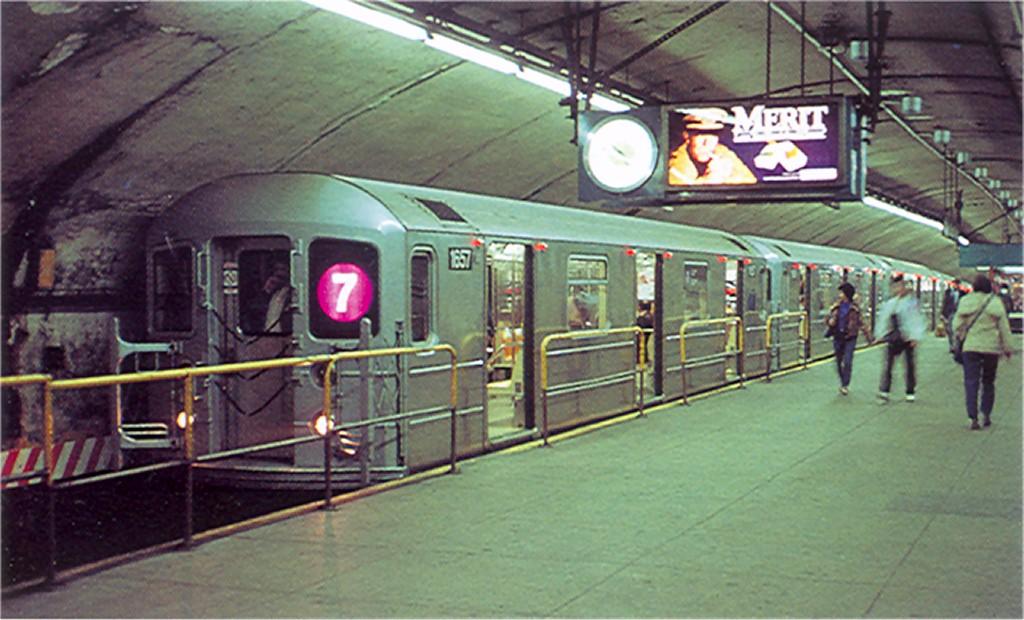 (174k, 1024x620)<br><b>Country:</b> United States<br><b>City:</b> New York<br><b>System:</b> New York City Transit<br><b>Line:</b> IRT Flushing Line<br><b>Location:</b> Grand Central <br><b>Route:</b> 7<br><b>Car:</b> R-62A (Bombardier, 1984-1987)  1657 <br><b>Collection of:</b> Joe Testagrose<br><b>Date:</b> 1985<br><b>Viewed (this week/total):</b> 5 / 4455