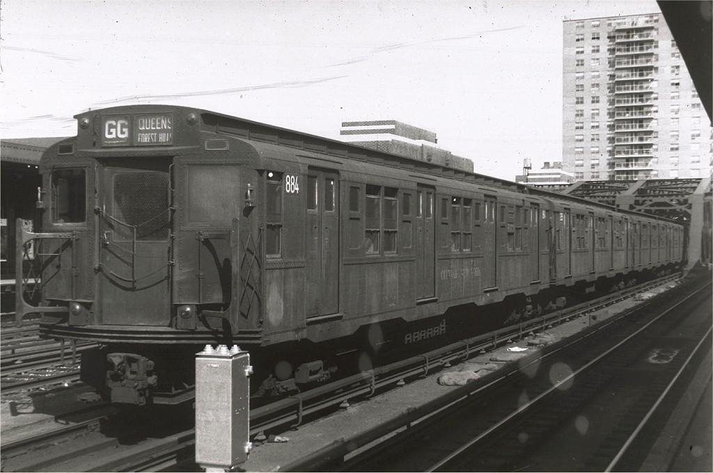 (161k, 1024x680)<br><b>Country:</b> United States<br><b>City:</b> New York<br><b>System:</b> New York City Transit<br><b>Line:</b> IND Crosstown Line<br><b>Location:</b> 4th Avenue <br><b>Route:</b> GG<br><b>Car:</b> R-4 (American Car & Foundry, 1932-1933) 884 <br><b>Collection of:</b> Joe Testagrose<br><b>Viewed (this week/total):</b> 1 / 2952
