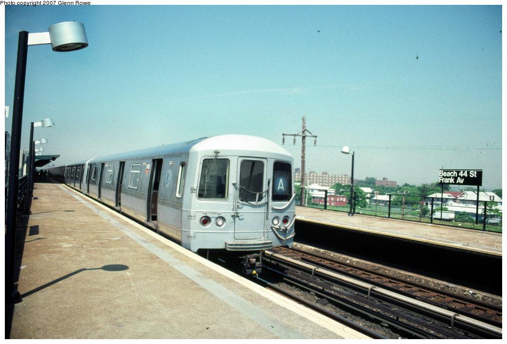 (140k, 1044x710)<br><b>Country:</b> United States<br><b>City:</b> New York<br><b>System:</b> New York City Transit<br><b>Line:</b> IND Rockaway<br><b>Location:</b> Beach 44th Street/Frank Avenue <br><b>Route:</b> A<br><b>Car:</b> R-44 (St. Louis, 1971-73) 5410 <br><b>Photo by:</b> Glenn L. Rowe<br><b>Date:</b> 6/1999<br><b>Viewed (this week/total):</b> 0 / 2550