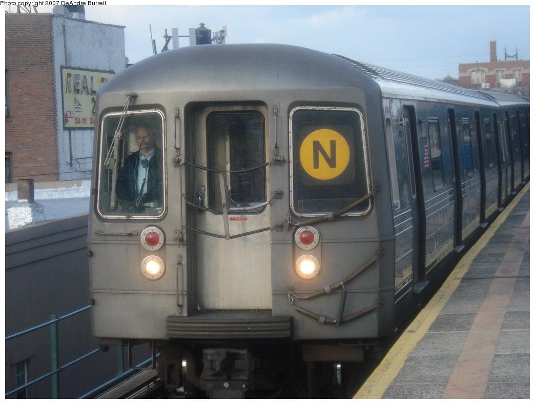 (144k, 1044x788)<br><b>Country:</b> United States<br><b>City:</b> New York<br><b>System:</b> New York City Transit<br><b>Line:</b> BMT Astoria Line<br><b>Location:</b> Astoria Boulevard/Hoyt Avenue <br><b>Route:</b> N<br><b>Car:</b> R-68 (Westinghouse-Amrail, 1986-1988)   <br><b>Photo by:</b> DeAndre Burrell<br><b>Date:</b> 3/5/2007<br><b>Viewed (this week/total):</b> 0 / 2275