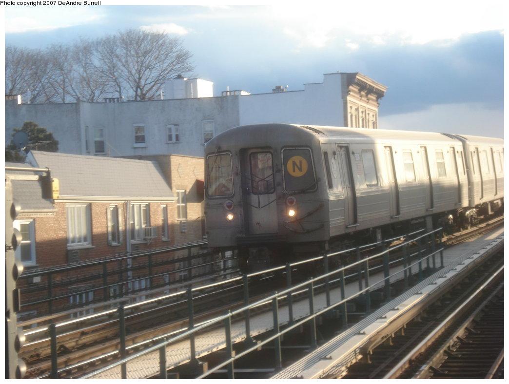 (156k, 1044x788)<br><b>Country:</b> United States<br><b>City:</b> New York<br><b>System:</b> New York City Transit<br><b>Line:</b> BMT Astoria Line<br><b>Location:</b> Astoria Boulevard/Hoyt Avenue <br><b>Route:</b> N<br><b>Car:</b> R-68A (Kawasaki, 1988-1989)  5124 <br><b>Photo by:</b> DeAndre Burrell<br><b>Date:</b> 3/5/2007<br><b>Viewed (this week/total):</b> 0 / 1846