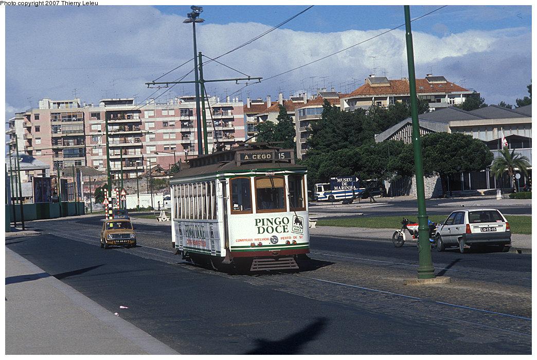 (259k, 1044x701)<br><b>Country:</b> Portugal<br><b>City:</b> Lisbon<br><b>System:</b> Companhia Carris De Ferro De Lisboa <br><b>Car:</b> Standard Tram (Carris, 1935)  323 <br><b>Photo by:</b> Thierry Leleu<br><b>Date:</b> 4/1991<br><b>Viewed (this week/total):</b> 0 / 668