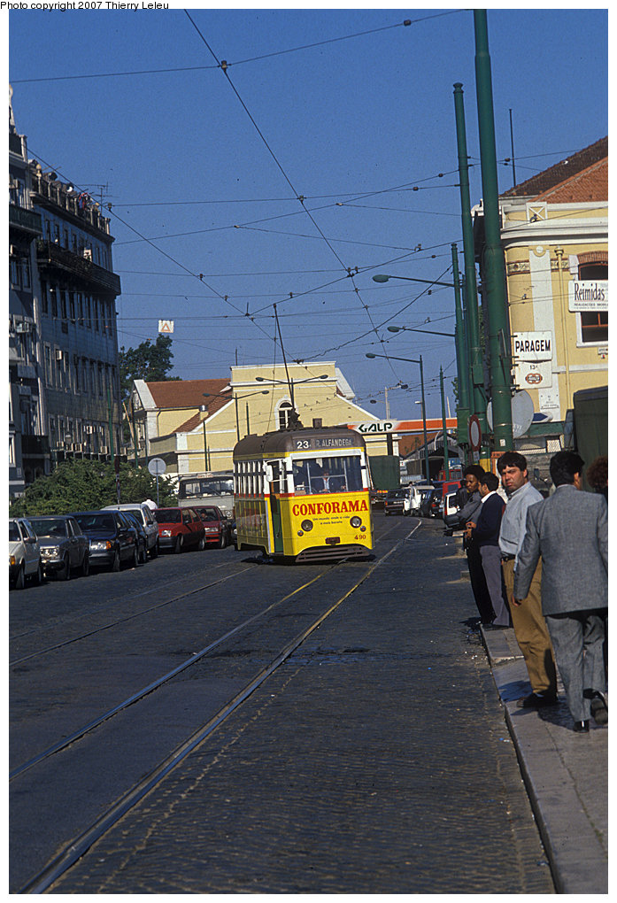 (236k, 697x1020)<br><b>Country:</b> Portugal<br><b>City:</b> Lisbon<br><b>System:</b> Companhia Carris De Ferro De Lisboa <br><b>Route:</b> 23<br><b>Car:</b> Ligeiros 26-seat Single End (Carris, 1952-1964)  490 <br><b>Photo by:</b> Thierry Leleu<br><b>Date:</b> 4/1991<br><b>Viewed (this week/total):</b> 1 / 347
