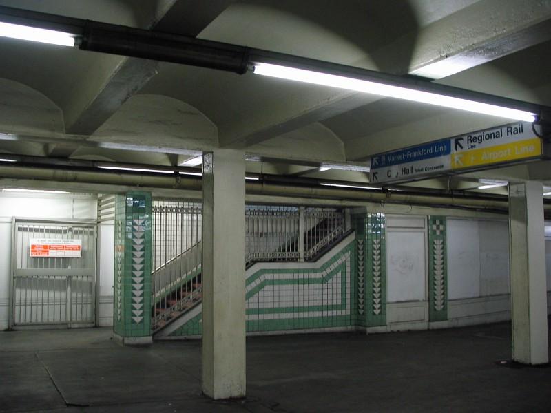 (109k, 800x600)<br><b>Country:</b> United States<br><b>City:</b> Philadelphia, PA<br><b>System:</b> SEPTA (or Predecessor)<br><b>Line:</b> Broad Street Subway<br><b>Location:</b> City Hall <br><b>Photo by:</b> Dante D. Angerville<br><b>Date:</b> 2/28/2007<br><b>Notes:</b> South Broad Concourse<br><b>Viewed (this week/total):</b> 0 / 3407