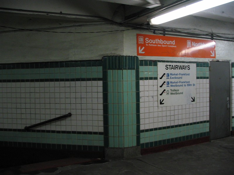 (100k, 800x600)<br><b>Country:</b> United States<br><b>City:</b> Philadelphia, PA<br><b>System:</b> SEPTA (or Predecessor)<br><b>Line:</b> Broad Street Subway<br><b>Location:</b> City Hall <br><b>Photo by:</b> Dante D. Angerville<br><b>Date:</b> 2/28/2007<br><b>Notes:</b> Southern mezzanine<br><b>Viewed (this week/total):</b> 0 / 3151