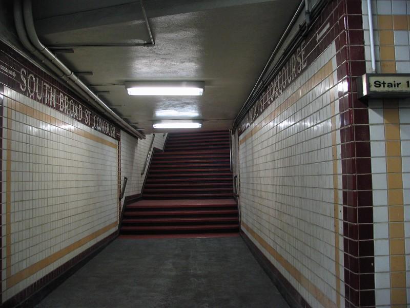 (129k, 800x600)<br><b>Country:</b> United States<br><b>City:</b> Philadelphia, PA<br><b>System:</b> SEPTA (or Predecessor)<br><b>Line:</b> Broad Street Subway<br><b>Location:</b> City Hall <br><b>Photo by:</b> Dante D. Angerville<br><b>Date:</b> 2/28/2007<br><b>Notes:</b> South Broad Concourse<br><b>Viewed (this week/total):</b> 1 / 2588