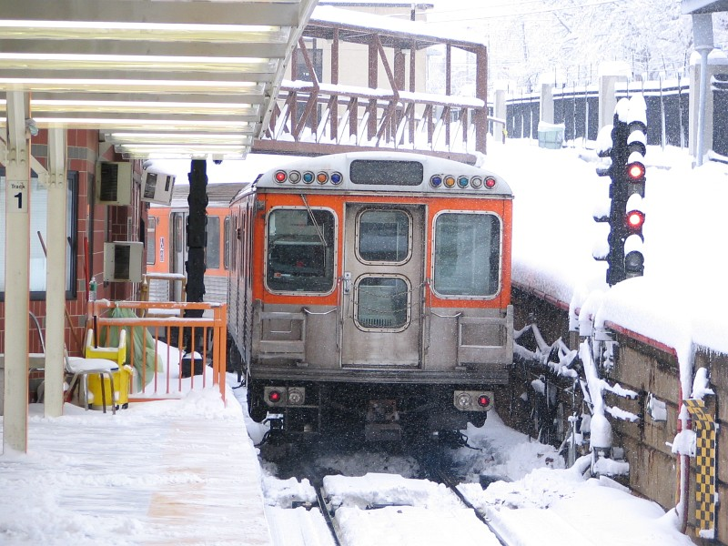 (168k, 800x600)<br><b>Country:</b> United States<br><b>City:</b> Philadelphia, PA<br><b>System:</b> SEPTA (or Predecessor)<br><b>Line:</b> Broad Street Subway<br><b>Location:</b> Fern Rock Transportation Center <br><b>Car:</b> SEPTA B-4 (Kawasaki, 1982)   <br><b>Photo by:</b> Dante D. Angerville<br><b>Date:</b> 2/12/2006<br><b>Viewed (this week/total):</b> 0 / 2671
