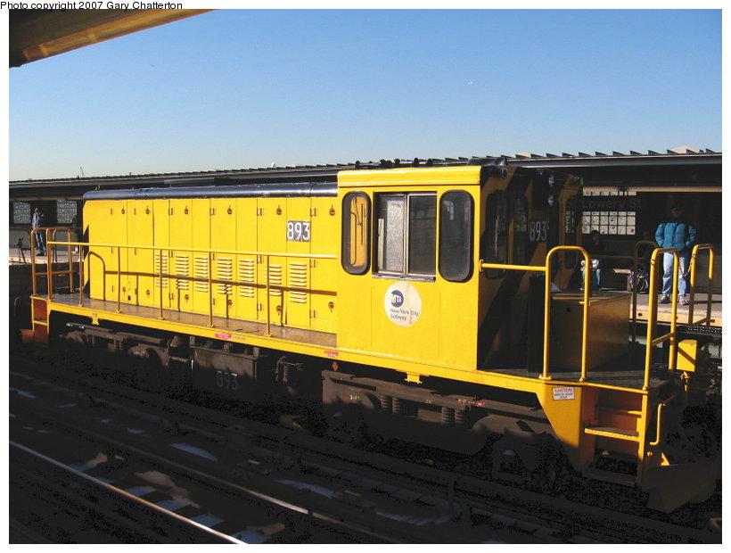 (102k, 820x620)<br><b>Country:</b> United States<br><b>City:</b> New York<br><b>System:</b> New York City Transit<br><b>Line:</b> IRT Flushing Line<br><b>Location:</b> 40th Street/Lowery Street <br><b>Route:</b> Work Service<br><b>Car:</b> R-77 Locomotive  893 <br><b>Photo by:</b> Gary Chatterton<br><b>Date:</b> 3/9/2007<br><b>Viewed (this week/total):</b> 0 / 1280