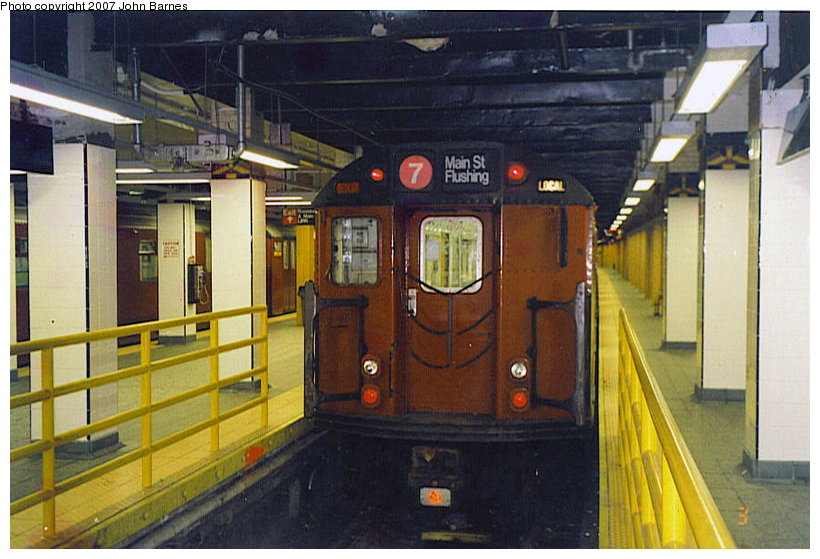 (113k, 820x559)<br><b>Country:</b> United States<br><b>City:</b> New York<br><b>System:</b> New York City Transit<br><b>Line:</b> IRT Flushing Line<br><b>Location:</b> Main Street/Flushing <br><b>Route:</b> 7<br><b>Car:</b> R-36 World's Fair (St. Louis, 1963-64)  <br><b>Photo by:</b> John Barnes<br><b>Date:</b> 4/3/2000<br><b>Viewed (this week/total):</b> 0 / 3450