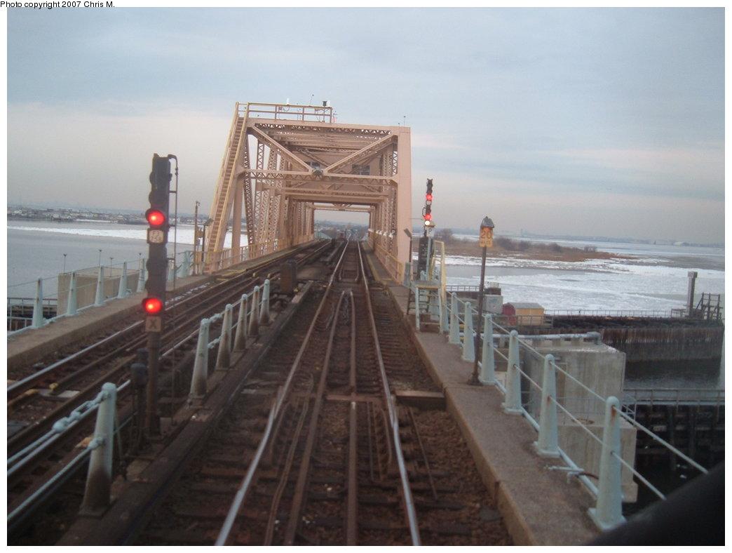(131k, 1044x788)<br><b>Country:</b> United States<br><b>City:</b> New York<br><b>System:</b> New York City Transit<br><b>Line:</b> IND Rockaway<br><b>Location:</b> South Channel Bridge <br><b>Photo by:</b> Chris M.<br><b>Date:</b> 2/20/2007<br><b>Viewed (this week/total):</b> 1 / 2219