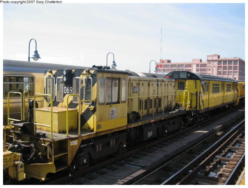 (101k, 820x620)<br><b>Country:</b> United States<br><b>City:</b> New York<br><b>System:</b> New York City Transit<br><b>Line:</b> IRT Flushing Line<br><b>Location:</b> 33rd Street/Rawson Street <br><b>Route:</b> Work Service<br><b>Car:</b> R-47 Locomotive  69 <br><b>Photo by:</b> Gary Chatterton<br><b>Date:</b> 3/9/2007<br><b>Viewed (this week/total):</b> 1 / 1257