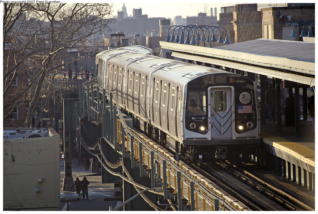 (297k, 1044x705)<br><b>Country:</b> United States<br><b>City:</b> New York<br><b>System:</b> New York City Transit<br><b>Line:</b> BMT Nassau Street/Jamaica Line<br><b>Location:</b> Broadway/East New York (Broadway Junction) <br><b>Car:</b> R-143 (Kawasaki, 2001-2002) 8268 <br><b>Photo by:</b> Fred Guenther<br><b>Date:</b> 3/20/2007<br><b>Viewed (this week/total):</b> 2 / 3407
