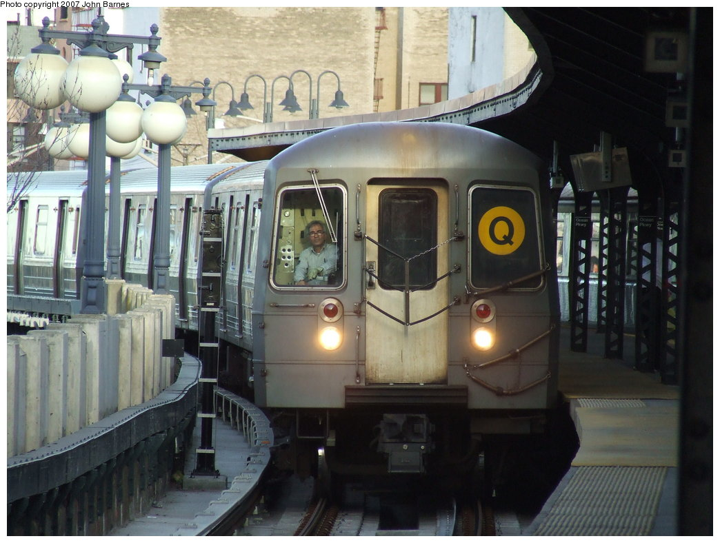 (176k, 1044x788)<br><b>Country:</b> United States<br><b>City:</b> New York<br><b>System:</b> New York City Transit<br><b>Line:</b> BMT Brighton Line<br><b>Location:</b> Ocean Parkway <br><b>Route:</b> Q<br><b>Car:</b> R-68A (Kawasaki, 1988-1989)  5132 <br><b>Photo by:</b> John Barnes<br><b>Date:</b> 3/28/2007<br><b>Viewed (this week/total):</b> 0 / 2290