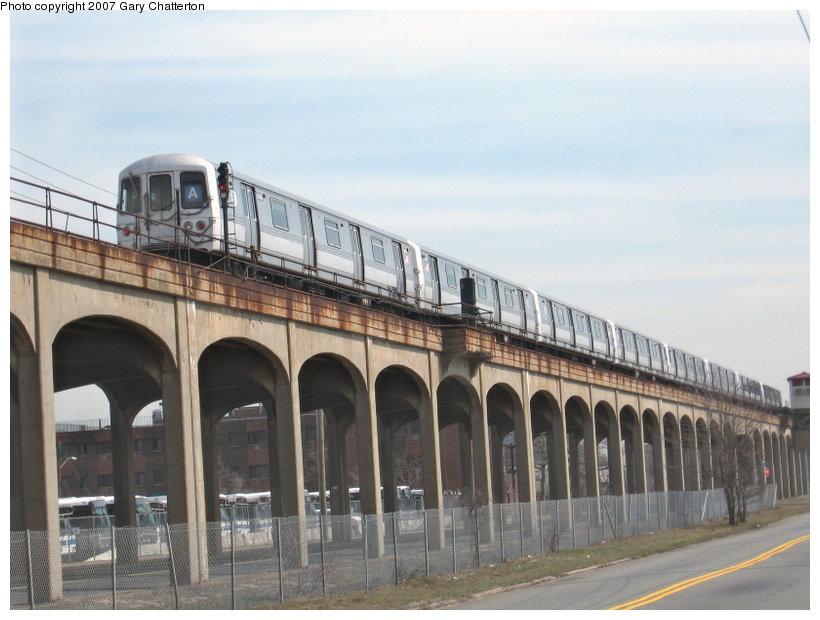 (98k, 820x620)<br><b>Country:</b> United States<br><b>City:</b> New York<br><b>System:</b> New York City Transit<br><b>Line:</b> IND Rockaway<br><b>Location:</b> Beach 44th Street/Frank Avenue <br><b>Route:</b> A<br><b>Car:</b> R-44 (St. Louis, 1971-73) 5432 <br><b>Photo by:</b> Gary Chatterton<br><b>Date:</b> 3/27/2007<br><b>Notes:</b> View from street near Beach 49th St.<br><b>Viewed (this week/total):</b> 2 / 3007