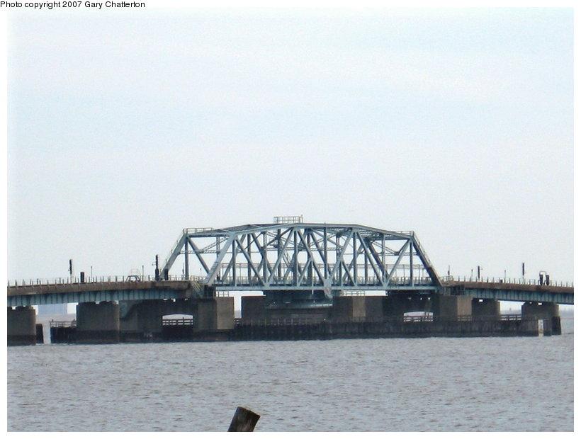 (81k, 820x620)<br><b>Country:</b> United States<br><b>City:</b> New York<br><b>System:</b> New York City Transit<br><b>Line:</b> IND Rockaway<br><b>Location:</b> Jamaica Bay Crossing<br><b>Photo by:</b> Gary Chatterton<br><b>Date:</b> 3/27/2007<br><b>Viewed (this week/total):</b> 0 / 1384
