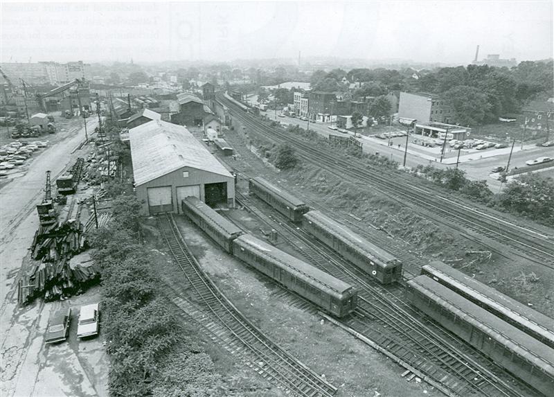 (101k, 800x573)<br><b>Country:</b> United States<br><b>City:</b> New York<br><b>System:</b> New York City Transit<br><b>Line:</b> SIRT<br><b>Location:</b> Clifton Yard/Shops <br><b>Photo by:</b> Steve DiSanto<br><b>Date:</b> 1973<br><b>Viewed (this week/total):</b> 2 / 3065