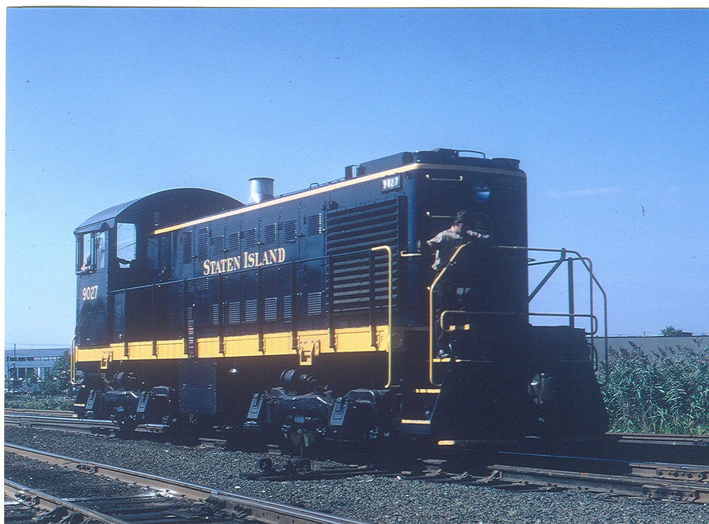 (217k, 1024x757)<br><b>Country:</b> United States<br><b>City:</b> New York<br><b>System:</b> New York City Transit<br><b>Line:</b> SIRT<br><b>Car:</b>  9027 <br><b>Photo by:</b> Gerald H. Landau<br><b>Collection of:</b> S. Phetterplace<br><b>Viewed (this week/total):</b> 1 / 2463