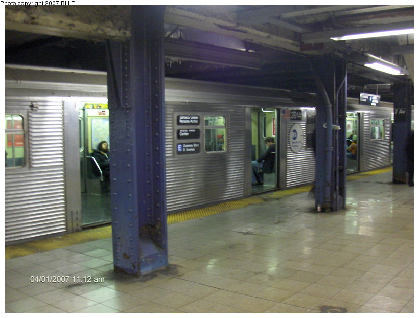(101k, 820x622)<br><b>Country:</b> United States<br><b>City:</b> New York<br><b>System:</b> New York City Transit<br><b>Line:</b> IND Queens Boulevard Line<br><b>Location:</b> 7th Avenue/53rd Street <br><b>Route:</b> E<br><b>Car:</b> R-32 (Budd, 1964)  3914 <br><b>Photo by:</b> Bill E.<br><b>Date:</b> 4/1/2007<br><b>Viewed (this week/total):</b> 1 / 3372