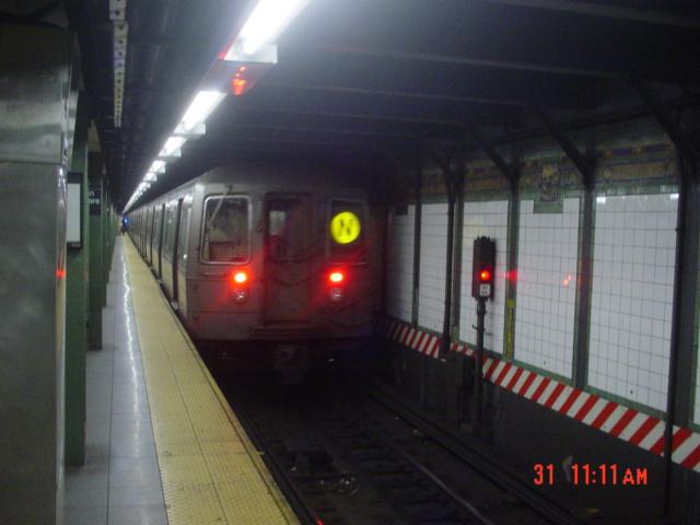 (155k, 640x480)<br><b>Country:</b> United States<br><b>City:</b> New York<br><b>System:</b> New York City Transit<br><b>Line:</b> BMT Broadway Line<br><b>Location:</b> Times Square/42nd Street <br><b>Route:</b> N<br><b>Car:</b> R-68/R-68A Series (Number Unknown)  <br><b>Photo by:</b> Jin-Young Yoon<br><b>Date:</b> 3/31/2007<br><b>Viewed (this week/total):</b> 3 / 3428