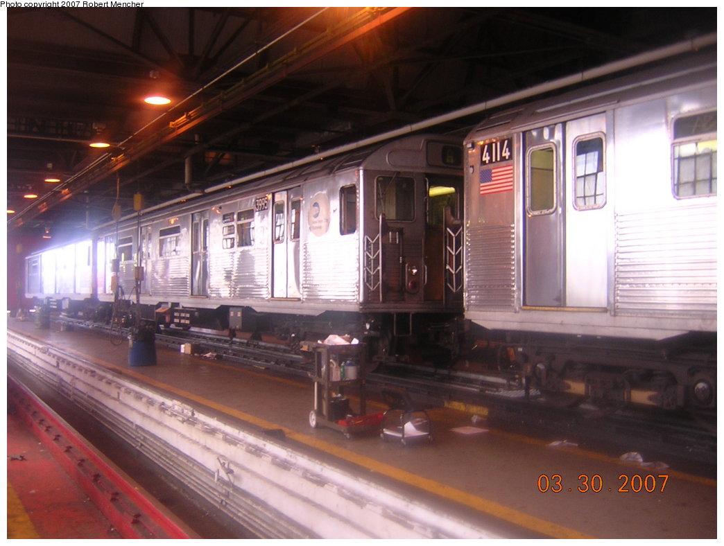 (180k, 1044x788)<br><b>Country:</b> United States<br><b>City:</b> New York<br><b>System:</b> New York City Transit<br><b>Location:</b> 207th Street Shop<br><b>Car:</b> R-38 (St. Louis, 1966-1967)  3995 <br><b>Photo by:</b> Robert Mencher<br><b>Date:</b> 3/30/2007<br><b>Viewed (this week/total):</b> 0 / 2933