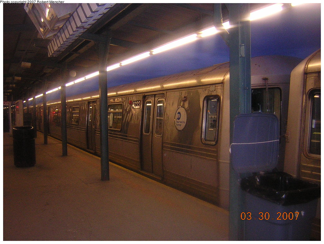 (211k, 1044x788)<br><b>Country:</b> United States<br><b>City:</b> New York<br><b>System:</b> New York City Transit<br><b>Line:</b> IND Fulton Street Line<br><b>Location:</b> Lefferts Boulevard <br><b>Route:</b> A<br><b>Car:</b> R-44 (St. Louis, 1971-73) 5222 <br><b>Photo by:</b> Robert Mencher<br><b>Date:</b> 3/30/2007<br><b>Viewed (this week/total):</b> 0 / 2202