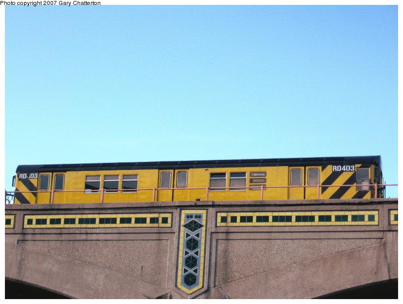 (86k, 820x620)<br><b>Country:</b> United States<br><b>City:</b> New York<br><b>System:</b> New York City Transit<br><b>Line:</b> IRT Flushing Line<br><b>Location:</b> 33rd Street/Rawson Street <br><b>Route:</b> Work Service<br><b>Car:</b> R-161 Rider Car (ex-R-33)  RD403 (ex-8956)<br><b>Photo by:</b> Gary Chatterton<br><b>Date:</b> 3/31/2007<br><b>Notes:</b> Work train on Flushing el at Queens Blvd. & 36th St.<br><b>Viewed (this week/total):</b> 0 / 1811