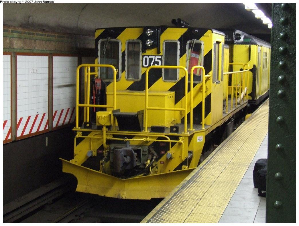 (179k, 1044x788)<br><b>Country:</b> United States<br><b>City:</b> New York<br><b>System:</b> New York City Transit<br><b>Line:</b> BMT Broadway Line<br><b>Location:</b> Lexington Avenue (59th Street) <br><b>Route:</b> Work Service<br><b>Car:</b> R-52 Locomotive  75 <br><b>Photo by:</b> John Barnes<br><b>Date:</b> 4/4/2007<br><b>Viewed (this week/total):</b> 3 / 3198