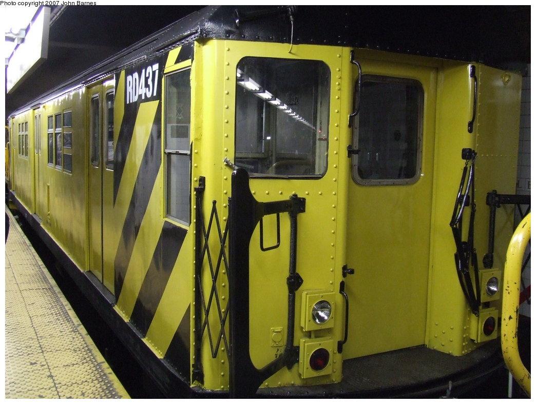(180k, 1044x788)<br><b>Country:</b> United States<br><b>City:</b> New York<br><b>System:</b> New York City Transit<br><b>Line:</b> BMT Broadway Line<br><b>Location:</b> Lexington Avenue (59th Street) <br><b>Route:</b> Work Service<br><b>Car:</b> R-161 Rider Car (ex-R-33)  RD437 (ex-8937)<br><b>Photo by:</b> John Barnes<br><b>Date:</b> 4/4/2007<br><b>Viewed (this week/total):</b> 1 / 2648