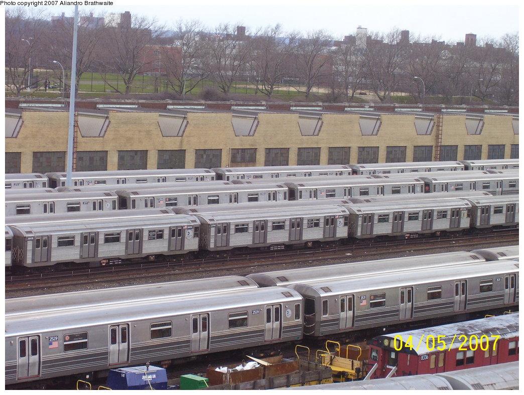 (223k, 1044x788)<br><b>Country:</b> United States<br><b>City:</b> New York<br><b>System:</b> New York City Transit<br><b>Location:</b> Concourse Yard<br><b>Car:</b> R-68 (Westinghouse-Amrail, 1986-1988)  2529 <br><b>Photo by:</b> Aliandro Brathwaite<br><b>Date:</b> 4/5/2007<br><b>Viewed (this week/total):</b> 1 / 4327
