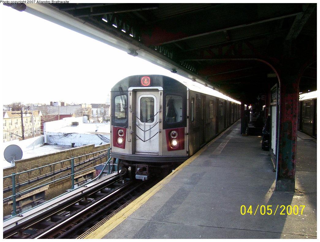 (196k, 1044x788)<br><b>Country:</b> United States<br><b>City:</b> New York<br><b>System:</b> New York City Transit<br><b>Line:</b> IRT Brooklyn Line<br><b>Location:</b> New Lots Avenue <br><b>Route:</b> 4<br><b>Car:</b> R-142 (Option Order, Bombardier, 2002-2003)  1116 <br><b>Photo by:</b> Aliandro Brathwaite<br><b>Date:</b> 4/5/2007<br><b>Viewed (this week/total):</b> 1 / 4782