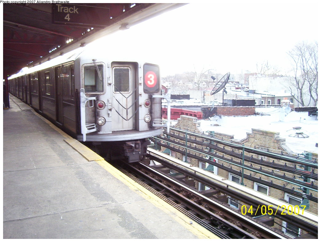 (198k, 1044x788)<br><b>Country:</b> United States<br><b>City:</b> New York<br><b>System:</b> New York City Transit<br><b>Line:</b> IRT Brooklyn Line<br><b>Location:</b> New Lots Avenue <br><b>Route:</b> 3<br><b>Car:</b> R-62 (Kawasaki, 1983-1985)  1441 <br><b>Photo by:</b> Aliandro Brathwaite<br><b>Date:</b> 4/5/2007<br><b>Viewed (this week/total):</b> 0 / 3229