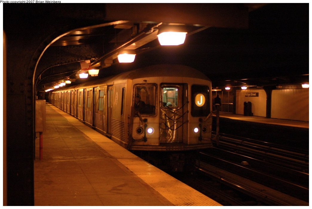 (110k, 1044x700)<br><b>Country:</b> United States<br><b>City:</b> New York<br><b>System:</b> New York City Transit<br><b>Line:</b> BMT Nassau Street/Jamaica Line<br><b>Location:</b> Halsey Street <br><b>Route:</b> J<br><b>Car:</b> R-42 (St. Louis, 1969-1970)  4619 <br><b>Photo by:</b> Brian Weinberg<br><b>Date:</b> 4/11/2007<br><b>Viewed (this week/total):</b> 0 / 2722
