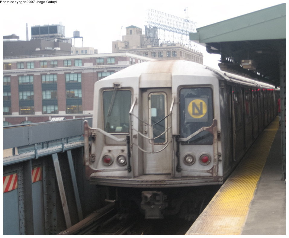 (119k, 957x788)<br><b>Country:</b> United States<br><b>City:</b> New York<br><b>System:</b> New York City Transit<br><b>Line:</b> BMT Astoria Line<br><b>Location:</b> Queensborough Plaza <br><b>Route:</b> N<br><b>Car:</b> R-40 (St. Louis, 1968)  4241 <br><b>Photo by:</b> Jorge Catayi<br><b>Date:</b> 3/14/2007<br><b>Viewed (this week/total):</b> 1 / 2087