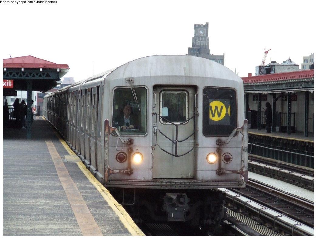 (154k, 1044x788)<br><b>Country:</b> United States<br><b>City:</b> New York<br><b>System:</b> New York City Transit<br><b>Line:</b> BMT Astoria Line<br><b>Location:</b> 36th/Washington Aves. <br><b>Route:</b> W<br><b>Car:</b> R-40M (St. Louis, 1969)  4544 <br><b>Photo by:</b> John Barnes<br><b>Date:</b> 4/18/2007<br><b>Viewed (this week/total):</b> 0 / 2301