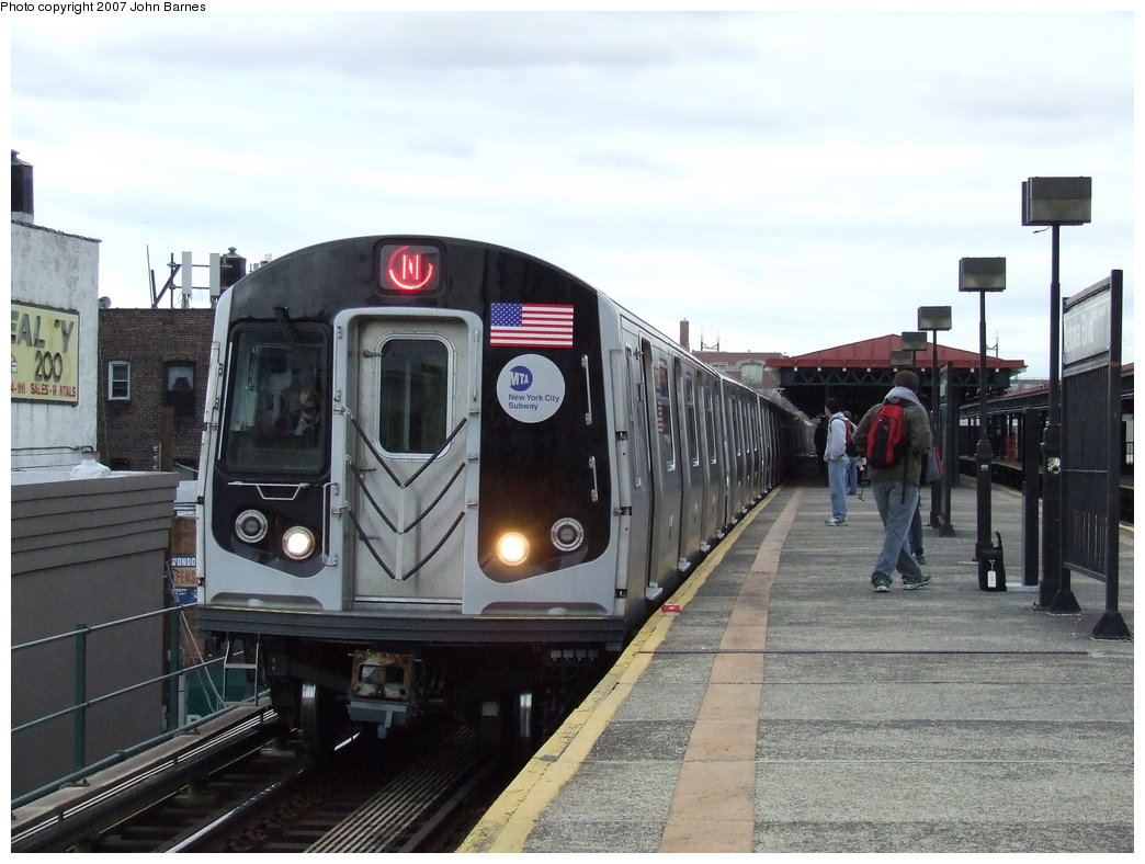 (166k, 1044x788)<br><b>Country:</b> United States<br><b>City:</b> New York<br><b>System:</b> New York City Transit<br><b>Line:</b> BMT Astoria Line<br><b>Location:</b> Astoria Boulevard/Hoyt Avenue <br><b>Route:</b> N<br><b>Car:</b> R-160B (Kawasaki, 2005-2008)  8738 <br><b>Photo by:</b> John Barnes<br><b>Date:</b> 4/18/2007<br><b>Viewed (this week/total):</b> 0 / 3279