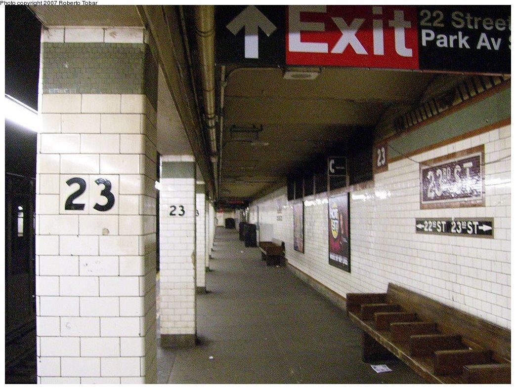 (230k, 1044x788)<br><b>Country:</b> United States<br><b>City:</b> New York<br><b>System:</b> New York City Transit<br><b>Line:</b> IRT East Side Line<br><b>Location:</b> 23rd Street <br><b>Photo by:</b> Roberto C. Tobar<br><b>Date:</b> 4/21/2007<br><b>Notes:</b> Platform view.<br><b>Viewed (this week/total):</b> 3 / 2399