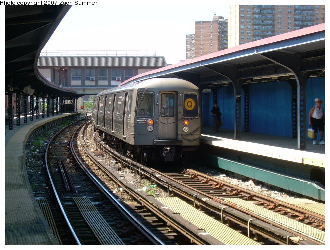 (137k, 660x500)<br><b>Country:</b> United States<br><b>City:</b> New York<br><b>System:</b> New York City Transit<br><b>Line:</b> BMT Brighton Line<br><b>Location:</b> Ocean Parkway <br><b>Route:</b> Q<br><b>Car:</b> R-68 (Westinghouse-Amrail, 1986-1988)  2842 <br><b>Photo by:</b> Zach Summer<br><b>Date:</b> 8/12/2006<br><b>Viewed (this week/total):</b> 2 / 2043