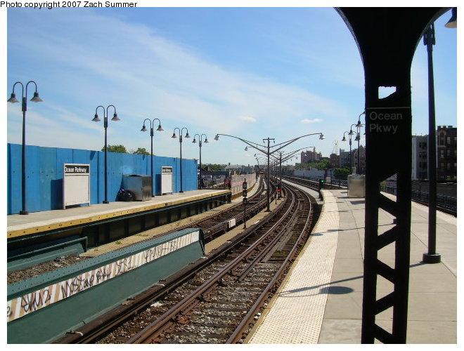 (122k, 660x500)<br><b>Country:</b> United States<br><b>City:</b> New York<br><b>System:</b> New York City Transit<br><b>Line:</b> BMT Brighton Line<br><b>Location:</b> Ocean Parkway <br><b>Photo by:</b> Zach Summer<br><b>Date:</b> 8/13/2006<br><b>Viewed (this week/total):</b> 0 / 1282