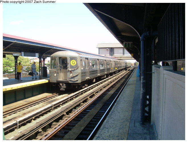 (127k, 660x500)<br><b>Country:</b> United States<br><b>City:</b> New York<br><b>System:</b> New York City Transit<br><b>Line:</b> BMT Brighton Line<br><b>Location:</b> Brighton Beach <br><b>Route:</b> Q<br><b>Car:</b> R-68A (Kawasaki, 1988-1989)   <br><b>Photo by:</b> Zach Summer<br><b>Date:</b> 8/13/2006<br><b>Viewed (this week/total):</b> 0 / 1762