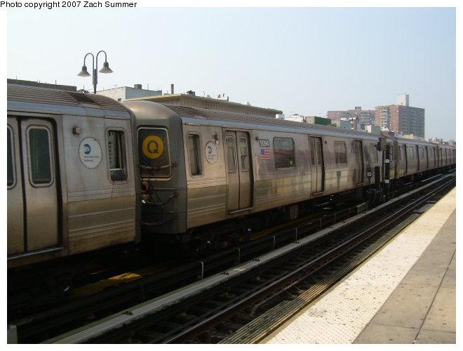 (98k, 660x500)<br><b>Country:</b> United States<br><b>City:</b> New York<br><b>System:</b> New York City Transit<br><b>Line:</b> BMT Brighton Line<br><b>Location:</b> Brighton Beach <br><b>Route:</b> Q<br><b>Car:</b> R-68A (Kawasaki, 1988-1989)  5094 <br><b>Photo by:</b> Zach Summer<br><b>Date:</b> 9/9/2006<br><b>Viewed (this week/total):</b> 0 / 1876