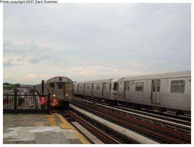 (95k, 660x500)<br><b>Country:</b> United States<br><b>City:</b> New York<br><b>System:</b> New York City Transit<br><b>Line:</b> BMT Culver Line<br><b>Location:</b> Avenue I <br><b>Route:</b> F<br><b>Car:</b> R-46 (Pullman-Standard, 1974-75)  <br><b>Photo by:</b> Zach Summer<br><b>Date:</b> 9/24/2006<br><b>Viewed (this week/total):</b> 1 / 2371