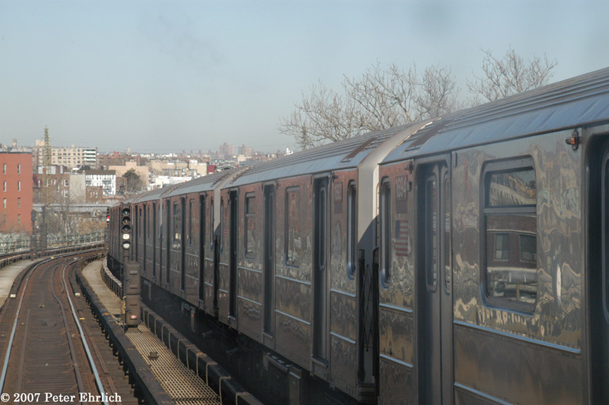 (159k, 864x574)<br><b>Country:</b> United States<br><b>City:</b> New York<br><b>System:</b> New York City Transit<br><b>Line:</b> IRT Flushing Line<br><b>Location:</b> 61st Street/Woodside <br><b>Car:</b> R-62A (Bombardier, 1984-1987)  1694 <br><b>Photo by:</b> Peter Ehrlich<br><b>Date:</b> 4/20/2007<br><b>Notes:</b> View from an outbound express train, approaching 61st/Woodside.<br><b>Viewed (this week/total):</b> 0 / 2045